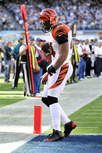 Dalton's 6-yard TD lifts Bengals over Bolts