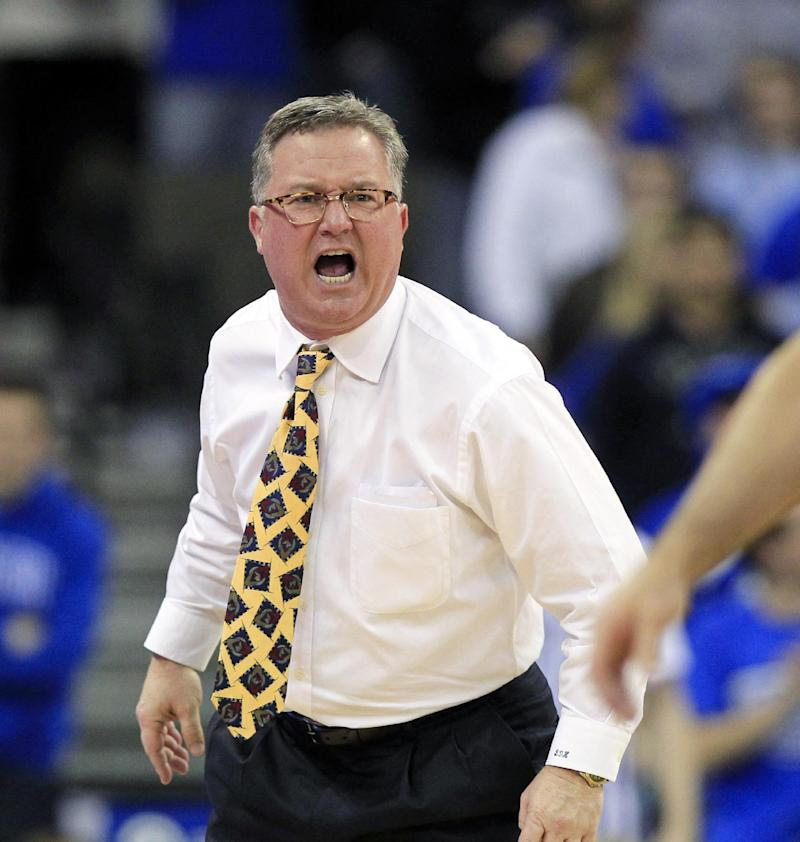 S. Illinois coach: Players 'bunch of mama's boys'