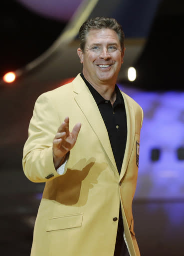 Marino back with Dolphins as special adviser