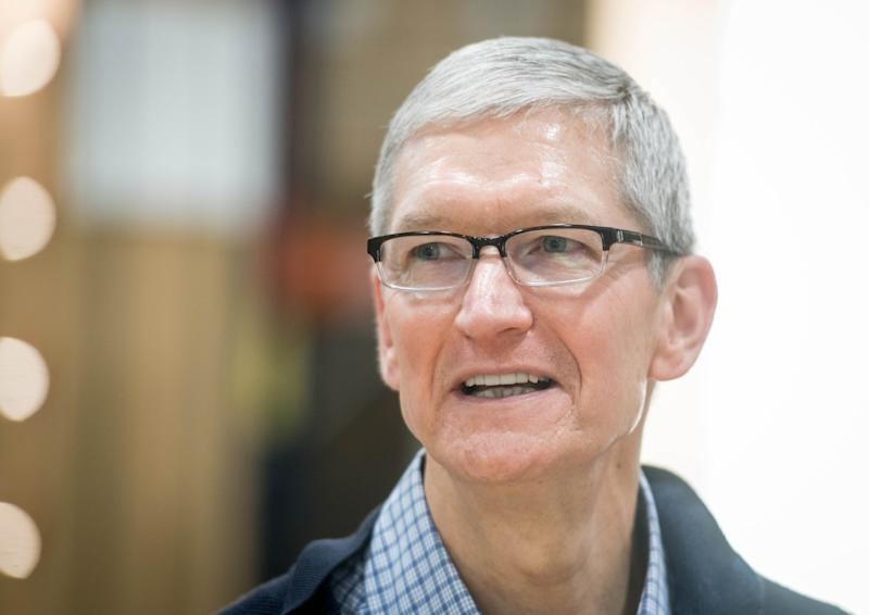 Tim Cook: Apple creating $1B fund to bring manufacturing jobs to US