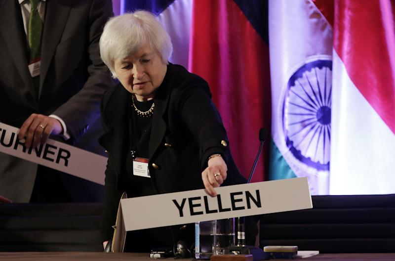 Yellen stands by Fed's low interest rate policies