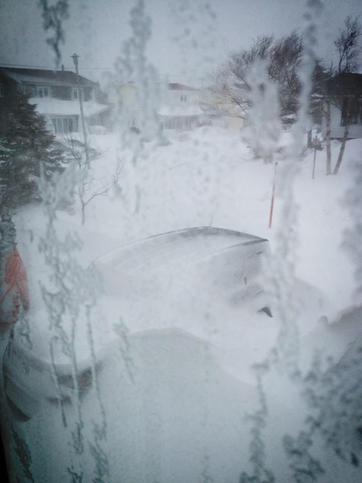 "Winter came.. #NFLD #Blizzard @GameOfThrones pic.twitter.com/lRLNMkqQ<br><br>Posted by <a target=""_blank"" href=""https://twitter.com/H0bbs70/status/289743530992218114"">@H0bbs70</a>"