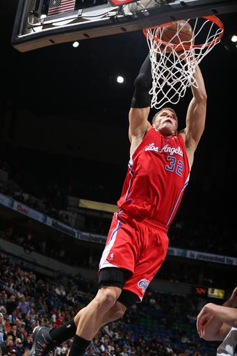 Clippers outmuscle Wolves in 96-90 victory