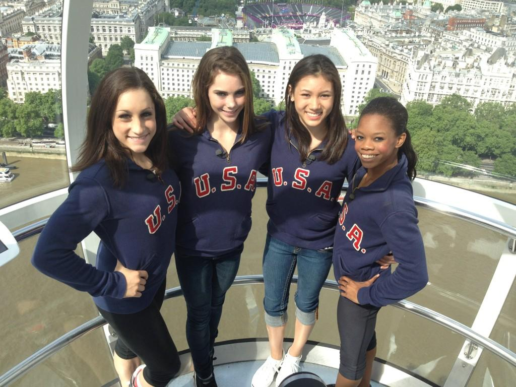 Touring London and on the London Eye with the girls!‏@kyla_ross96