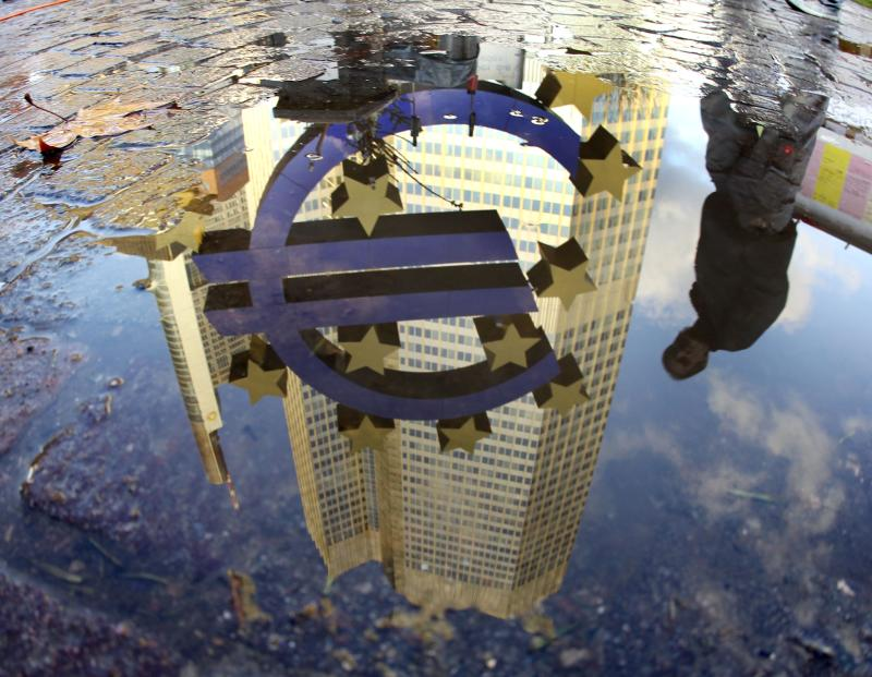 Euro healing, but still distant No. 2 to US dollar