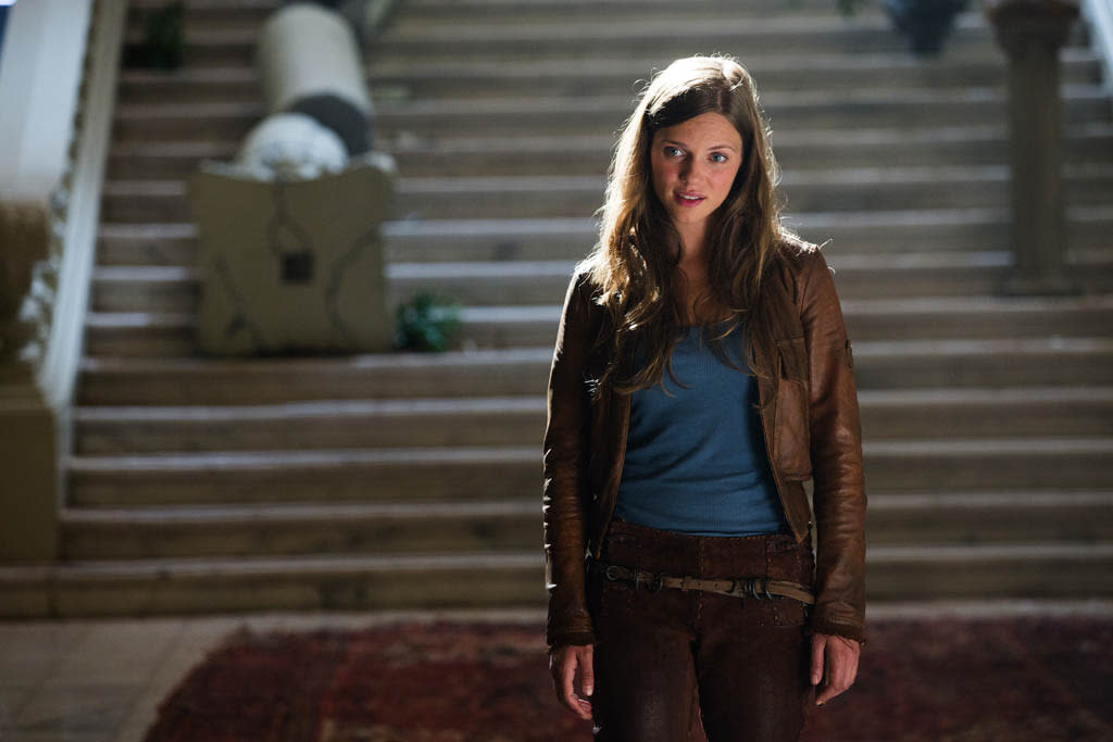 """Pilot"" Episode 101 -- Pictured: Tracy Spiridakos as Charlie Matheson"