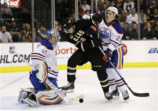 Oilers roll to 5-1 win over Stars