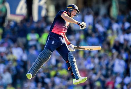 Australia ask England to bat in third ODI