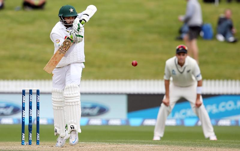Pakistan 200-8 at lunch on day 3, 2nd test vs