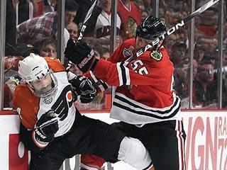Eager picks opportune time to thwart Flyers