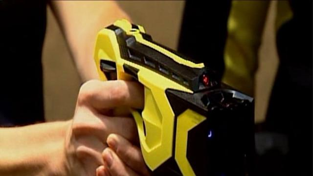 Illionis state trooper Tasers to have video cameras