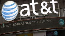 AT&T sheds more lucrative wireless customers in 1Q
