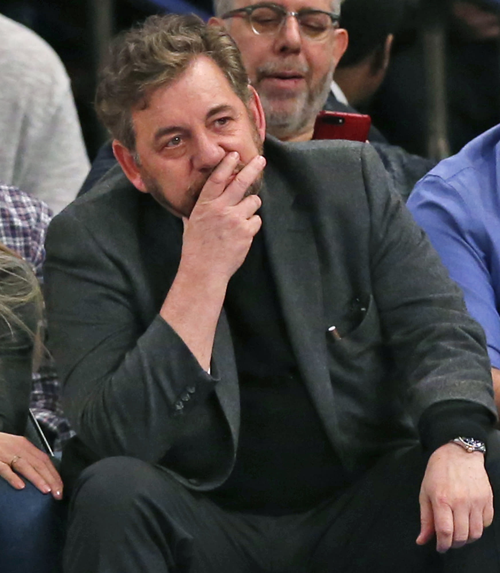 What Is Executive Privilege Yahoo Answers: Knicks Owner James Dolan Bans Charles Oakley From Madison