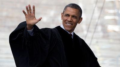 Obama Dares Graduates to Reject Cynical Voices