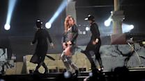 Rihanna Hits Fan With Microphone During UK Concert