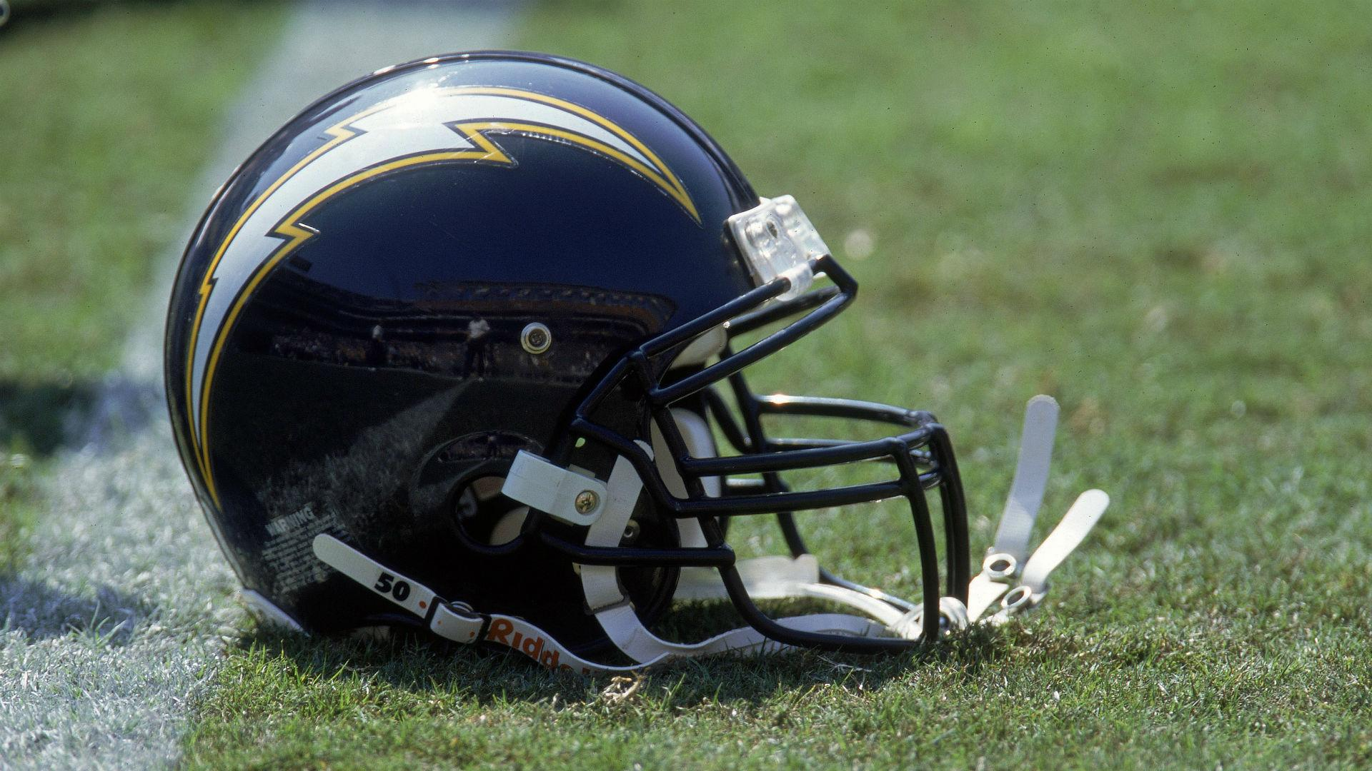 Chargers Admit Mistake Drop New La Logo After Criticism
