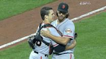 Bumgarner sends Giants to NLDS
