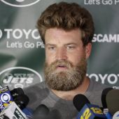 Re-signed Fitzpatrick welcomed back by happy Jets teammates