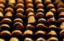 Gold faces weekly decline on signs of growth picking up