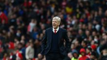 Arsenal want Wenger stay - but won't rush to talks