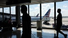 American Airlines 3Q profit falls on lower revenue