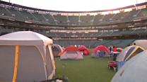 Fans enjoy Giants annual slumber party