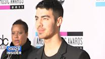 Joe Jonas Surprises Fan With Hilarious Concert Invitation