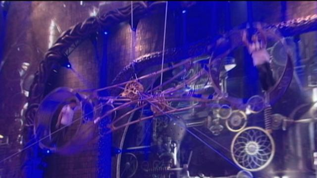 Cirque Du Soleil Performer Survives Fall from 'Wheel of Death'