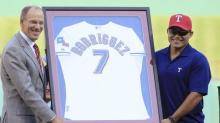 Rangers to retire Ivan Rodriguez's No. 7 after Hall of Fame induction