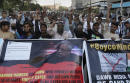 Angry Islamists besiege Pakistan's independent newspaper