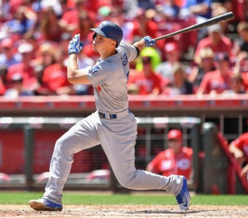 Corey Seager ties long-standing Dodgers record in blowout win