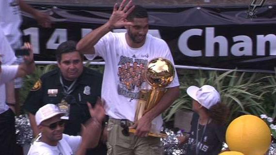 Spurs Parade: Duncan And Mills