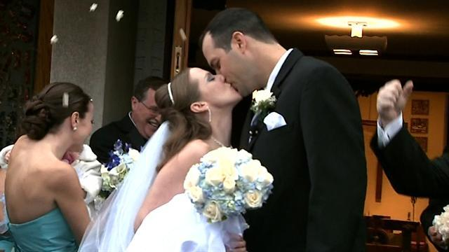 Wedding in neighborhood still struggling from Sandy