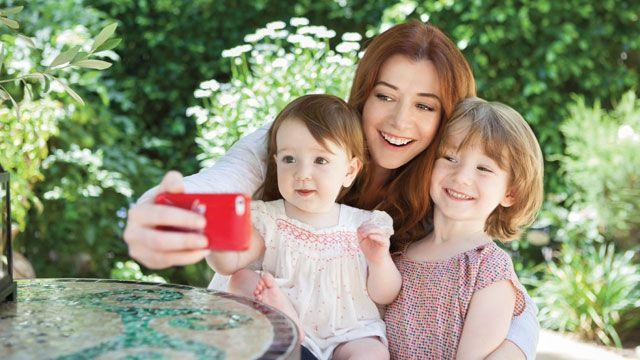 Alyson Hannigan helps raise money for children's healthcare