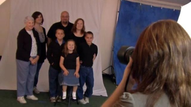Photographers help Indiana tornado victims make new memories