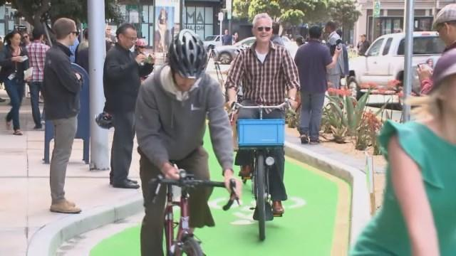 Raw Video: Contraflow Bicycle Lane Inaugurated On San Francisco's Polk Street