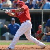 Dodgers land Ruiz in catcher swap with Phillies
