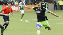 U.S. coach encouraged by Clint Dempsey's resurgence