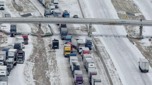 Deep Freeze Hits US, Causes Massive Pile-Ups