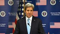 Kerry: Russia Should De-escalate in Ukraine