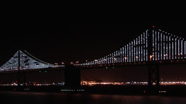 Bay Bridge light sculpture steals S.F. spotlight