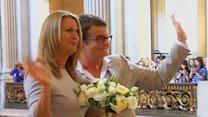 Raw: Gay Marriage Resumes in California