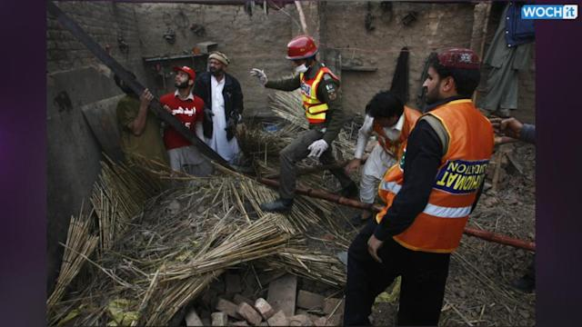 Blast Outside Peshawar Mosque Kills At Least 6
