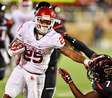Oklahoma and Texas Tech set offensive records in 66-59 Sooners win