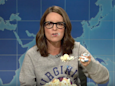 UVA alum Tina Fey returns to 'SNL' armed with cake to take down Trump and 'chinless turds' in Charlottesville