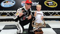 Harvick wins the pole at Bristol