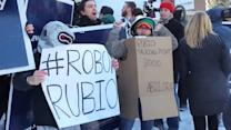 'Rubio Robots' Jostle With Supporters in N.H.