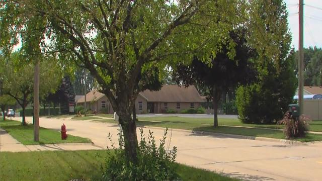 Fake water department workers attack Roseville man