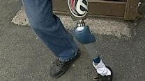 Customer With Prosthetic Leg Stops Robber