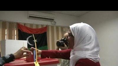 Libyans vote in first free national poll in ...